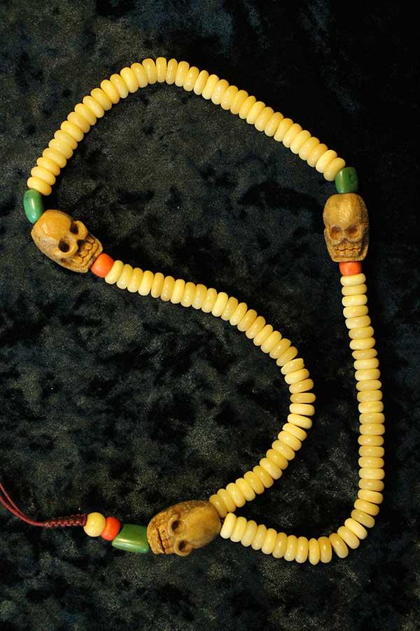 Старинные тибетские четки из кости человека 108 бусин