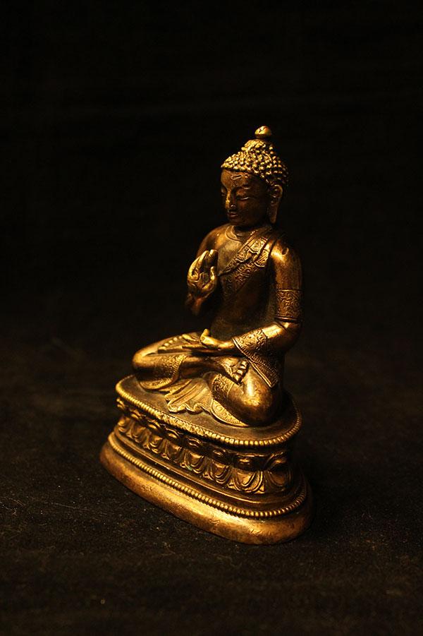Старинная статуэтка Будда Амогасиддхи