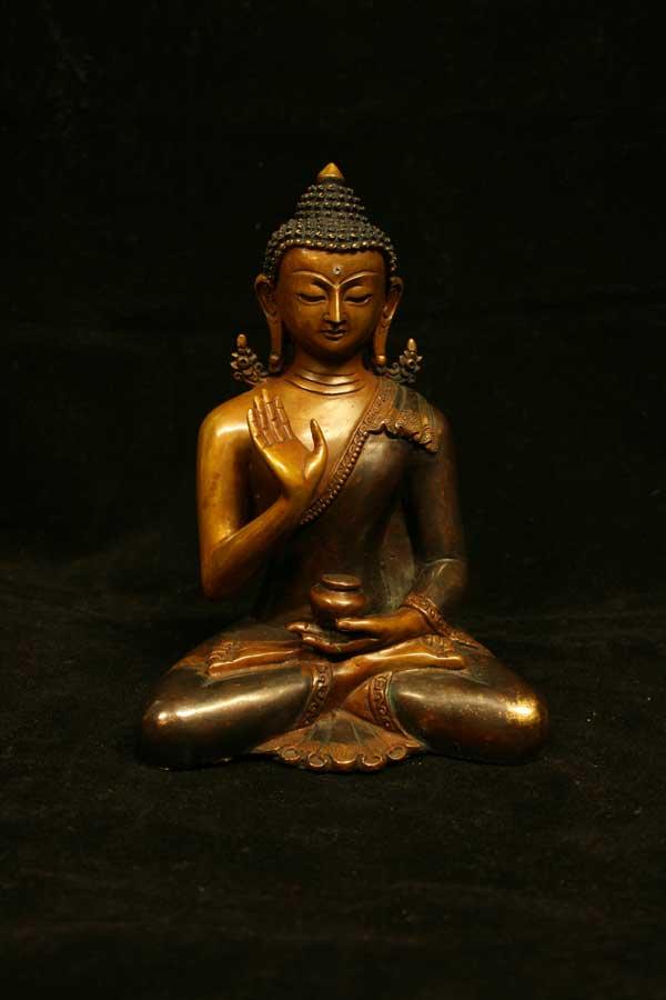 Статуетка Будды Амогасиддхи