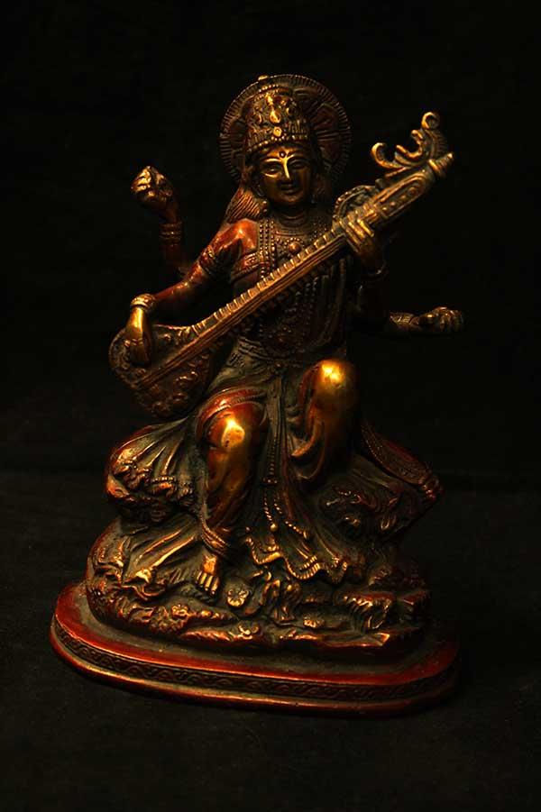 Индийская статуэтка, Сарасвати